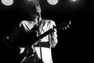 Antes de su gira europea, Balbis cruzará el charco para compartir canciones de su nuevo disco