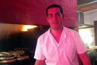Parrillero solidario: El entrerriano que regala asado a quienes más lo necesitan