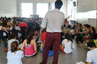 Volvieron a pedir por la casa propia para UADER, mientras los estudiantes siguen sentándose en el piso: ¿Qué había prometido Urribarri?