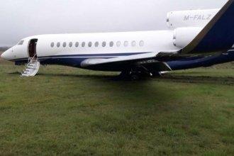 Más de 3 días llevó despejar el aeropuerto donde despistó un jet privado británico