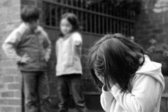 Denunció en Departamental que a su hija la arrastraron y le cortaron el pelo en la escuela
