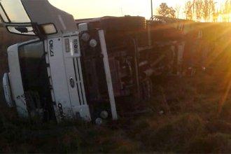 Dos camiones y un furgón protagonizaron un impactante accidente en ruta entrerriana