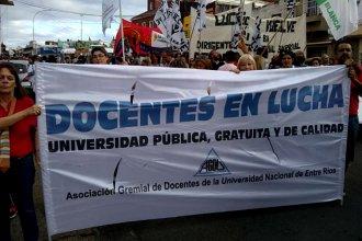 """""""Los plazos son inaceptables"""": sin acuerdo salarial, docentes universitarios siguen en pie de lucha"""