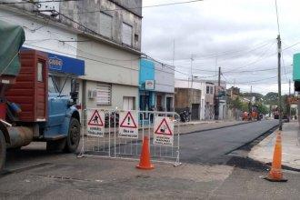 """Cuestionan el trabajo hecho en calles de Concordia: """"El reasfalto se fue desmoronando"""""""