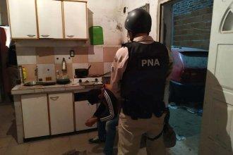 Los hombres de arena secuestraron cocaína y detuvieron a un hombre en Benito Legerén