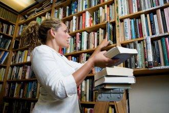 En busca de la igualdad: que las bibliotecarias tengan la misma jubilación que los docentes