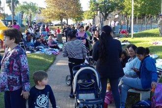 Por la difícil situación, numerosas familias recurren al trueque en Concordia