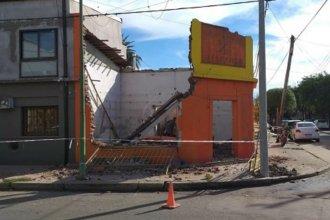 Falleció camino al hospital: se le cayó encima una pared de una obra en construcción