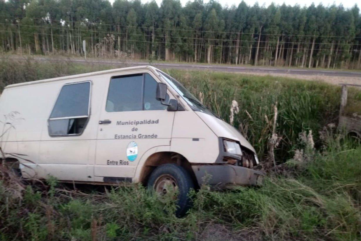 Así quedó la camioneta que llevaba 11 gurises.