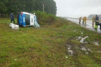 Un patrullero volcó en la Autovía Nacional 14 y tres policías fueron hospitalizados