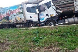 Trágico accidente en la ruta 18: quiso esquivar un choque e impactó de frente contra un camión