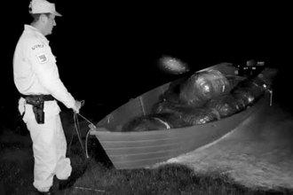 Una lancha nocturna atravesaba el río Uruguay con un importante cargamento de contrabando