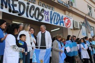 """Bajo el lema """"Salvar vidas no es delito"""", harán otro chaquetazo frente al Hospital San Roque de Paraná"""
