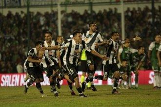Central Córdoba es de primera: un concordiense convirtió en la tanda de penales de la victoria