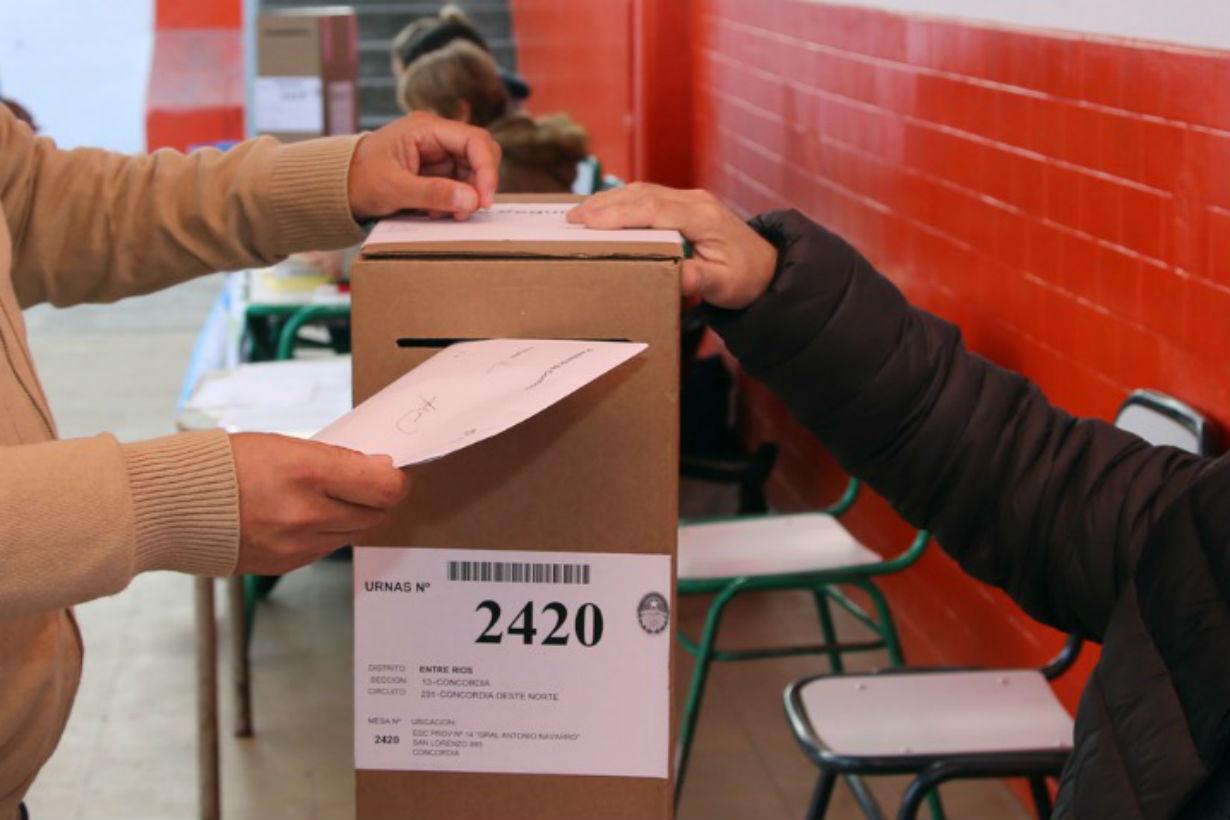 82,7% del padrón fue a votor este 9 de junio.