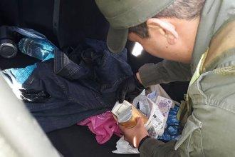 Sobre Ruta 14, interceptaron a un hombre que llevaba 39 mil dólares y 98 mil pesos debajo del asiento