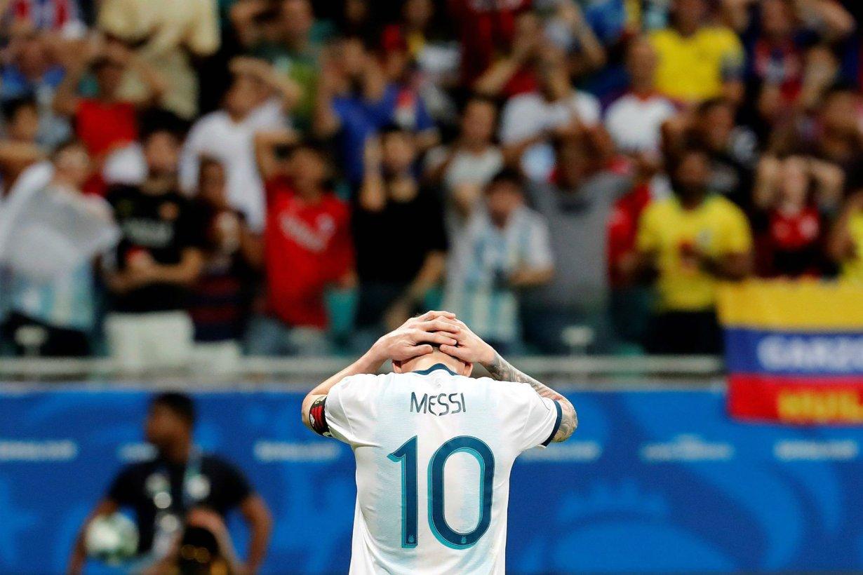 Messi no pudo y fue derrota en el debut.
