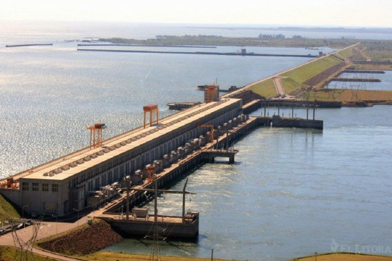 Otra noticia falsa desmentida: la represa Yacyretá funciona con normalidad