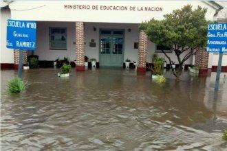 Temporal, inundación y polémica: Escuela rural quedó rodeada de agua en medio de una obra de Vialidad
