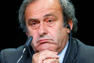 Detuvieron a Platini, acusado por sobornos para elegir a Qatar como sede del Mundial 2022