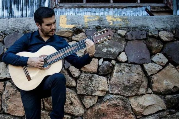 Concertista entrerriano se codea con los grandes de la música y fue elegido para un ciclo cultural en México