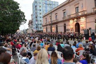 """""""Más vieja que la Argentina"""": La Histórica festeja sus 236 años con un desfile multitudinario"""
