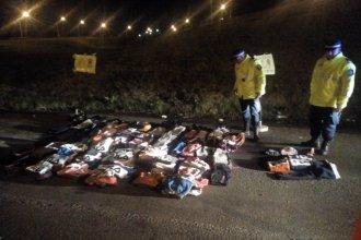 Detuvieron a una camioneta sobre la autovía Artigas y hallaron 300 prendas de vestir truchas