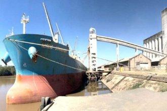 """Otros puertos demoraron el arribo del Australian Bulker al de """"la histórica"""""""