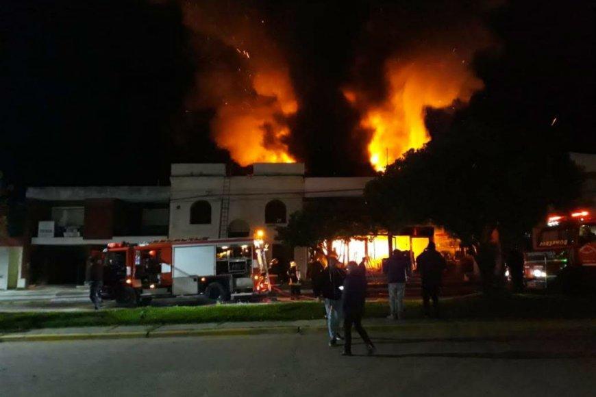 El fuego comenzó antes de las 22.