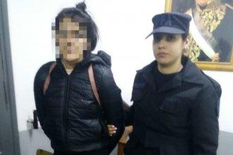 Fue de visita a una cárcel y la Policía Federal la detuvo por tenencia de cocaína