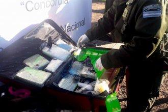 """Con la asistencia de """"Apol"""", dieron con la valija que ocultaba los 10 kilos de marihuana"""