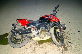 Colón: joven motociclista falleció al chocar contra un auto