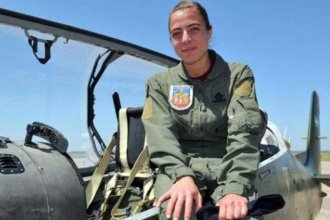 Quién es la joven entrerriana que sobrevoló Buenos Aires el 9 de Julio