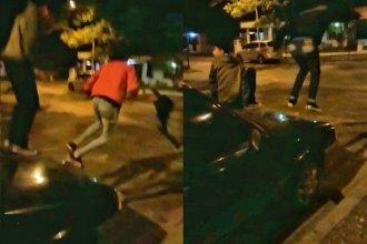 Los filmaron saltando sobre el capot de un auto, el video se viralizó y los denunciaron
