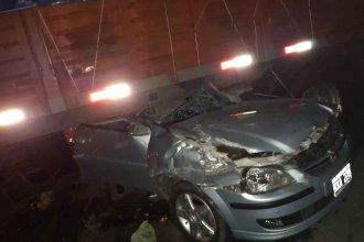Grave siniestro: dos jóvenes de Concordia chocaron contra un camión que cruzó por un retorno clandestino