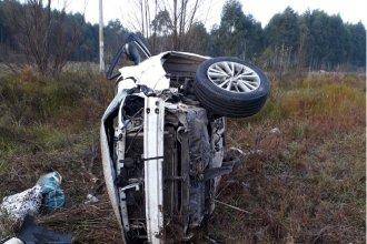 Una mujer despistó su automóvil y volcó sobre la Autovía Artigas