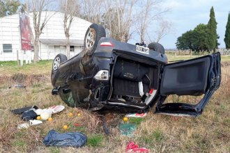Dos cordobeses volcaron con su camioneta en la ruta nacional 18