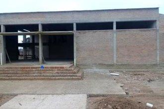 """Denuncian que están paralizadas las obras en el edificio de la secundaria """"Cabo Sendrós"""""""
