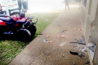 Cuatriciclo protagonizó grave accidente en Colón: Subió a la vereda y chocó contra la pared