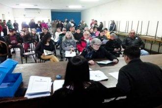 En la ciudad del riel, 50 familias ya cuentan con las escrituras de sus viviendas