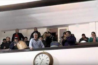 Movilización de municipales interrumpió la sesión de emergencia económica pedida por Cresto