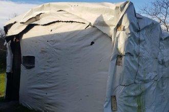Prometieron construirle una casa de material a la nena que vive junto a su mamá y su hermana en un silo bolsa