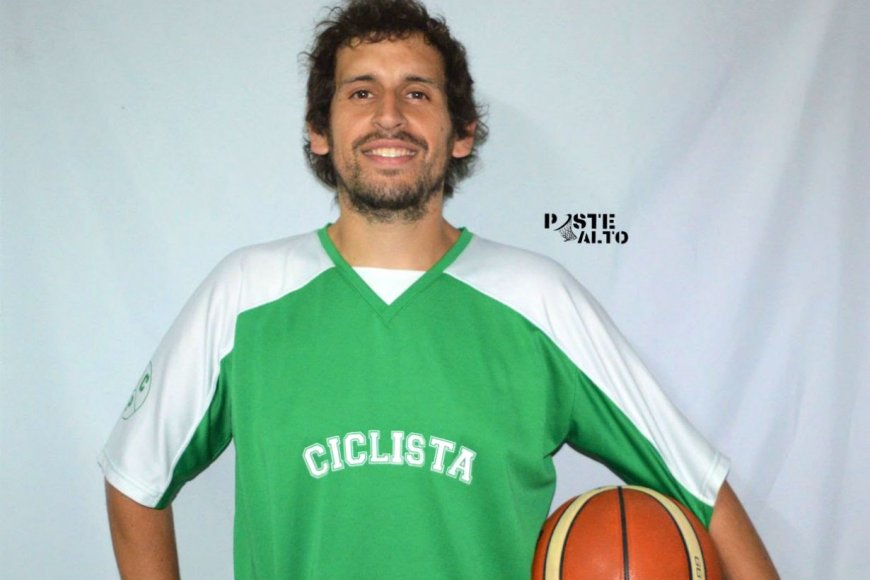 Pedro Ayala, DT de Ciclista.