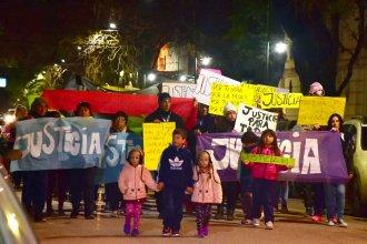 """En silencio, marcharon para reclamar justicia ante casos de abuso sexual: """"Con nuestros hijos no"""""""