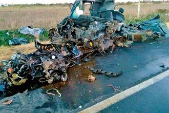 Otro accidente fatal en Entre Ríos: Tenía 19 años, se cruzó de carril y chocó contra un camión cisterna