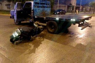 Pasó el día internado y murió al amanecer: su moto había impactado de lleno contra una camioneta