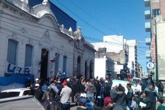 No depositaron el dinero a los trabajadores y seguirá el paro de colectivos en Paraná
