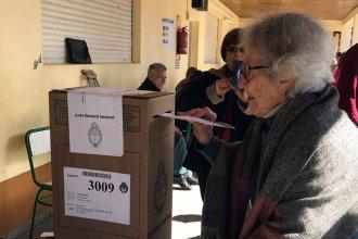 Votó a los 100 años y recibió un saludo del ministro Frigerio
