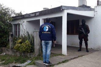 Tres allanamientos permitieron secuestrar múltiples elementos relacionados a la venta de droga