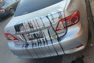 Un concejal de Juntos por el Cambio encontró su auto manchado con pintura negra